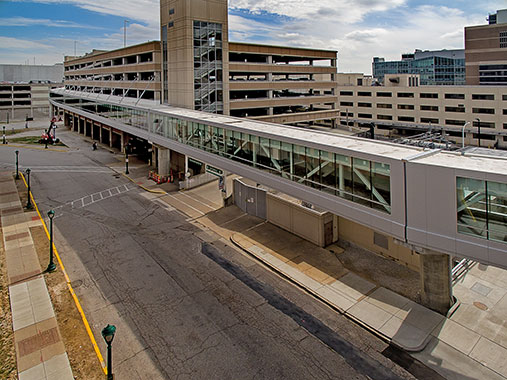 KAI Design & Build Completes 1,200-Foot-Long Skywalk For St. Louis Medical Campus